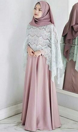 Model Baju Muslimah Terbaik Kombinasi Brokat Polos yang Bakal Booming Tahun 2020 1441 H - 3