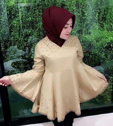Model Baju Muslimah dengan Aplikasi Mutiara Terbaik yang Bakal Booming Tahun 2019 1440 H - 3 kombinasi lengan payung
